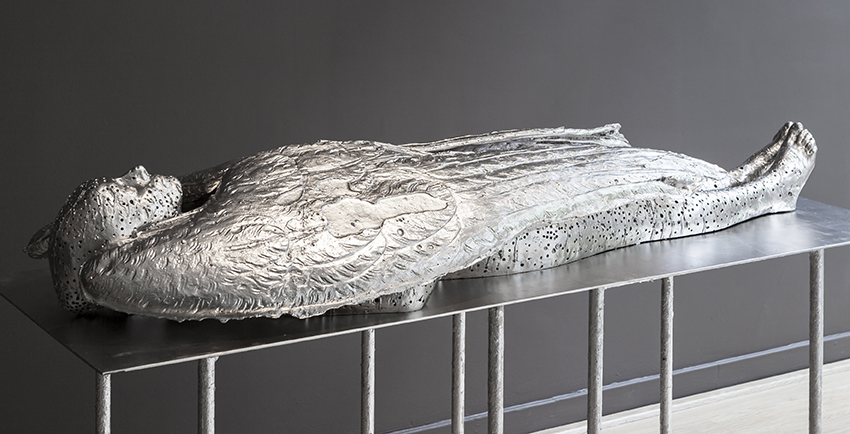 DIDIER MAHIEU / ICARUS. 2016 / POLYESTER, PALLADIUM PLATED / 176 X 60 X 25 CM