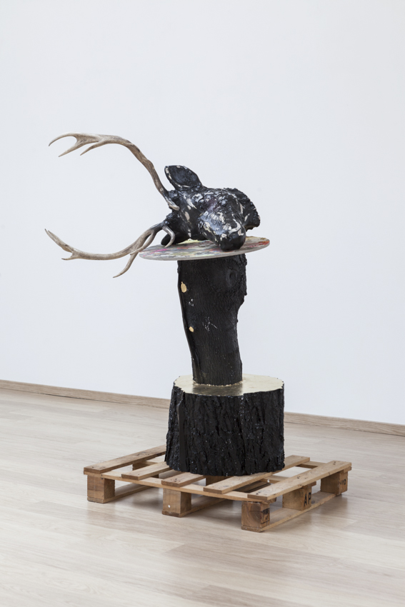 Stief Desmet / THE BAPTIST. 2016 / Polyester, wood, gold leaf, antler / 151 x 130 x 69 cm