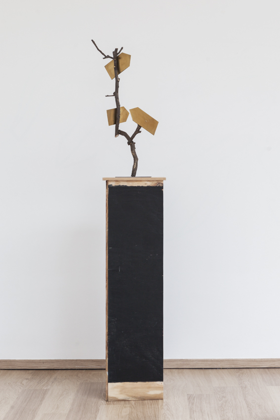 Stief Desmet / P'TIT LIEU MAGIQUE #3. 2016 / Bronze cast of the branches from the artist's garden, copper, steel / H 79 cm