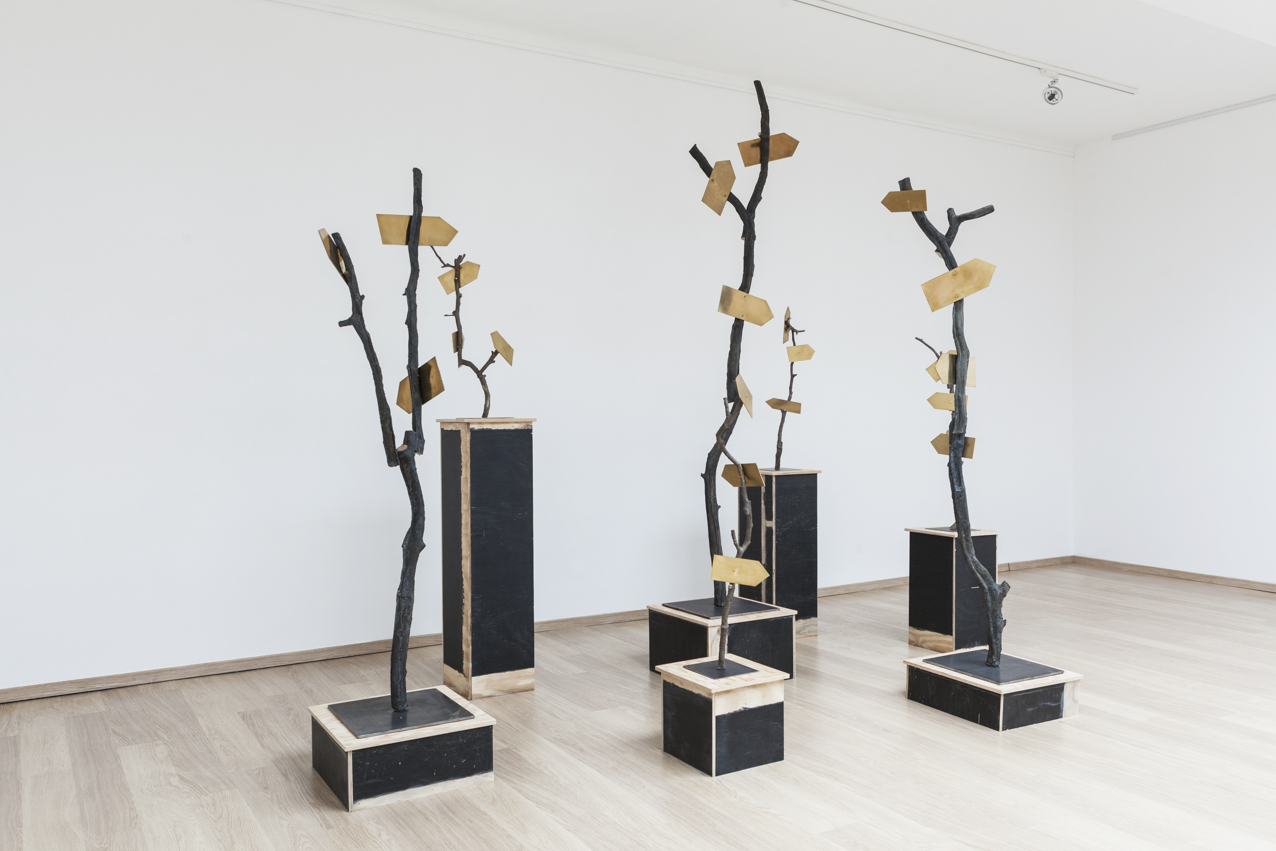 Stief Desmet / LIEU MAGIQUE. 2016 / Installation view / Bronze cast of the branches from the artist's garden, copper, steel / Size variable
